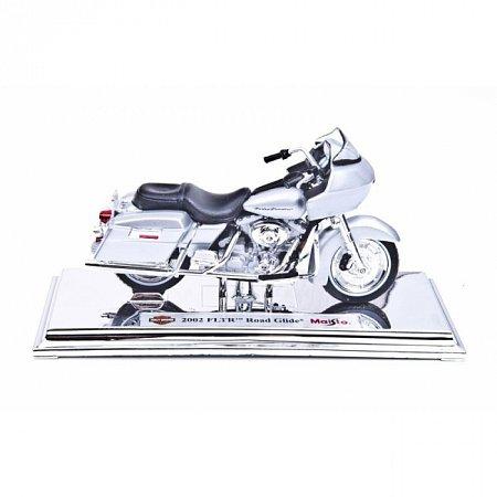 Изображение - Модель мотоцикла Harley-Davidson 2002 FLTR Road Glide. MAI39360-33