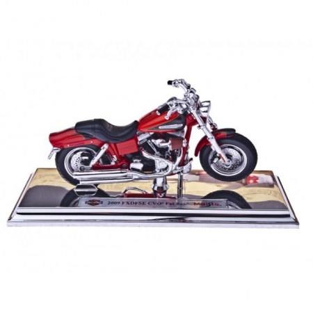 Изображение - Модель мотоцикла Harley-Davidson (Харлей-Дэвидсон) 2009 FXDFSE CVO Fat Bob. MAI39360-38