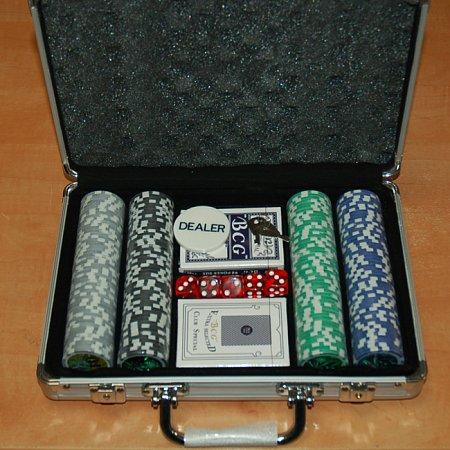 Набор для покера на 200 фишек (номинал 10-100). 11,5g-chips