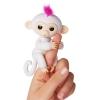 Интерактивная игрушка обезьянка Fingerlings Sophie белая