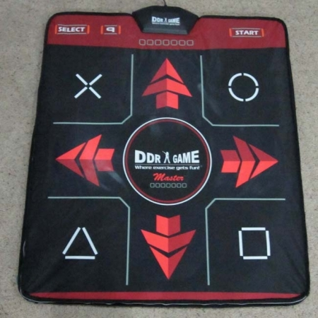 Танцевальный коврик, TV и PC. DDR GAME. 32 bit  + карта памяти Stepmania